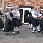 Die Schockländer Tanzgruppe beim Volkstanztreffen in Haselünne. (Quelle: privat)
